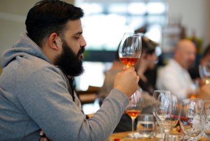 סדנאות יין לקבוצות - בר מאסטר