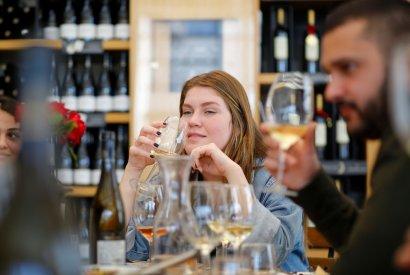סדנת יין זוגית רק בבר מאסטר